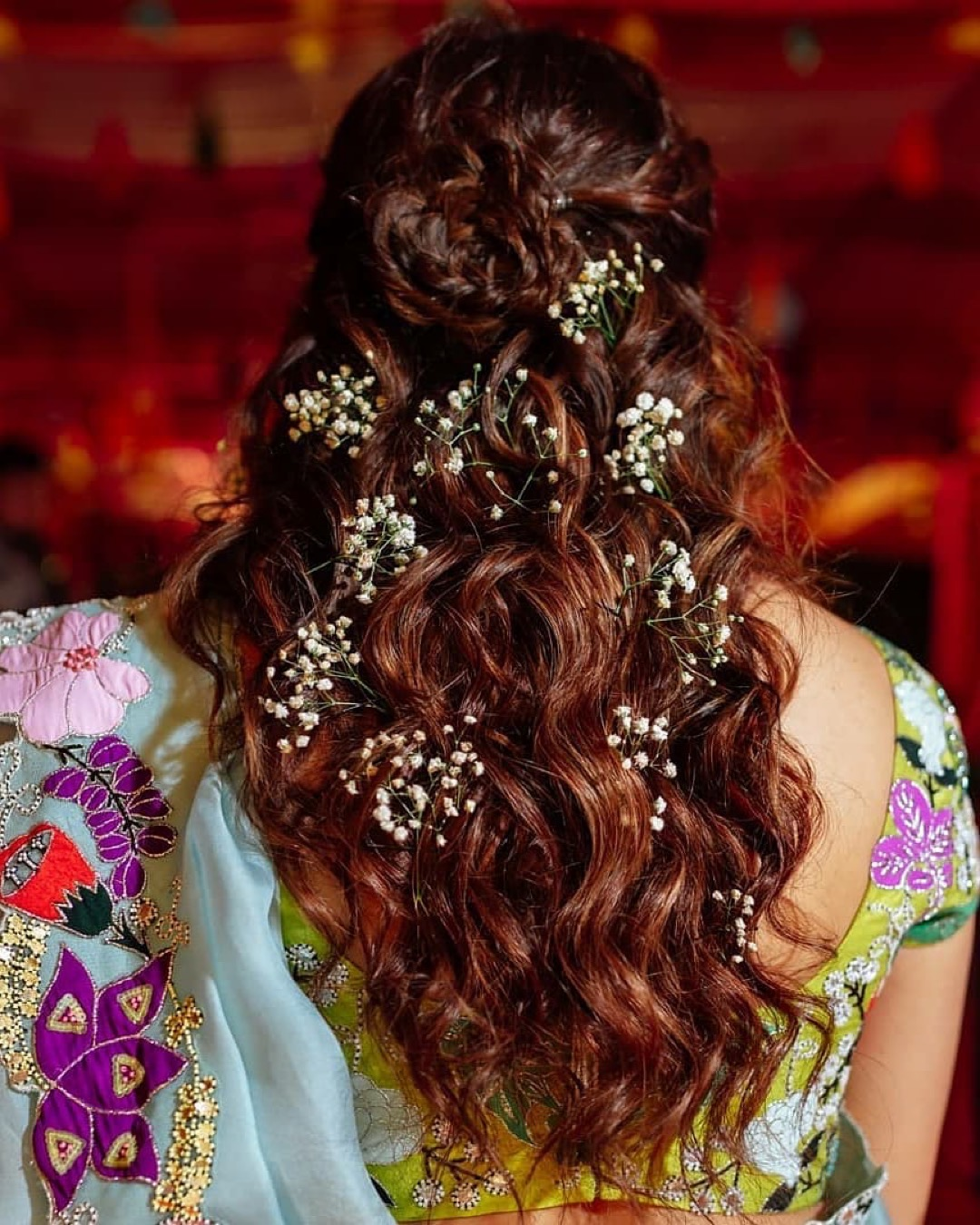 mehendi hairstyles | sania mirza and anam mirza | anam mirza wedding | anam mirza mehendi | mehendi outfit | bridal mehendi outfit | celebrity weddings indian bride | polki dimond | bridal makeup for Indian brides | bridal outfit | designer brides | indian celeb wedding | #celebrity #indianceleb #celebwedding #polkidiamond #polkinecklace #anammirzawedding | anam mirza wedding | babys breath hairstyle | # mehendi #bridallehenga #wittyvows #bridesofwittyvows #mehendidesigns #celebritymehendi #babysbreath