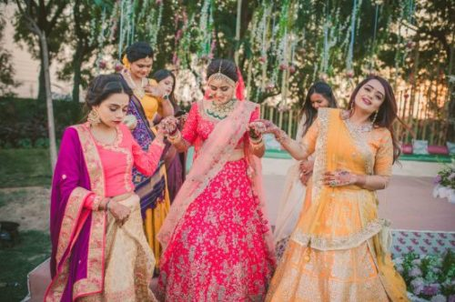 indian bride with hder beautiful bridesmaids | gujrati wedding photography