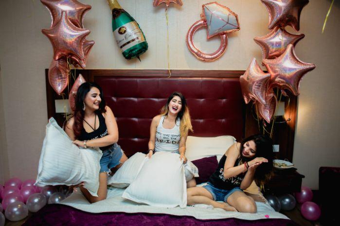 BACHELORETTE:  The Friends Way | Delhi Blogger Shivani at her bachelorette party