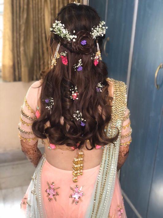 Prettiest Mehendi Outfit & Hairstyle | Mehendi Day hair