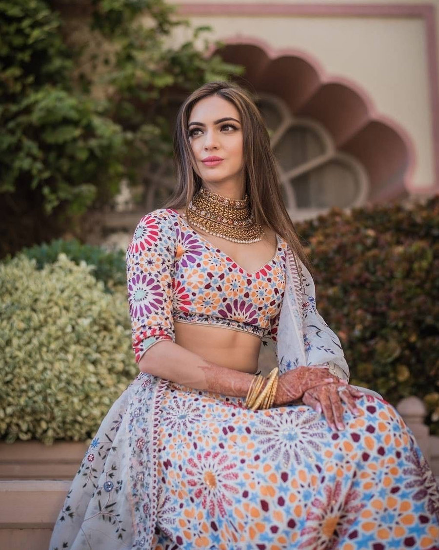 colourful lehenga for meehndi function | bridal wear trends fro 2020 brides | lehenga for mehendi function