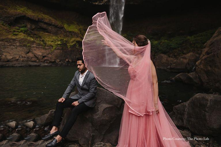 brid and groom | mumbai bride  | floral hair style  | dreamy pre wedding shoot