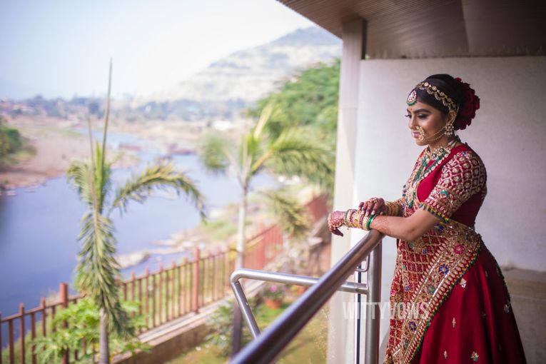 trending bridal portraits | Stunning Gujarati Wedding