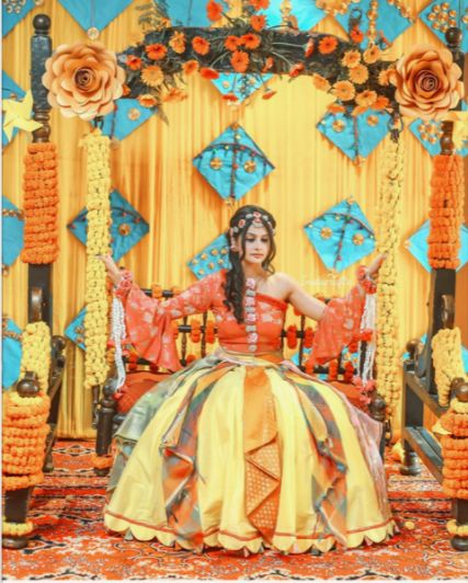 indian mehndi oitufits for 2020 weddings #wittyvows #indianweddingoutfits #mehendioutfits