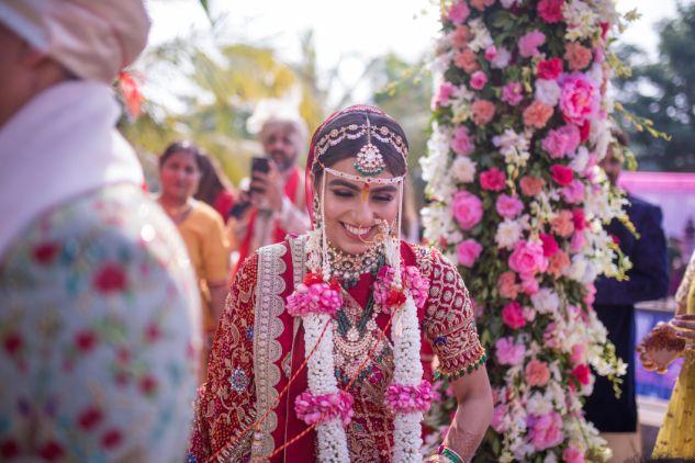 bride Hiral Khatri at her wedding ceremony | Stunning Gujarati Wedding