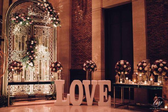 engagement day decor   Prettiest Vintage Decor For Mehendi