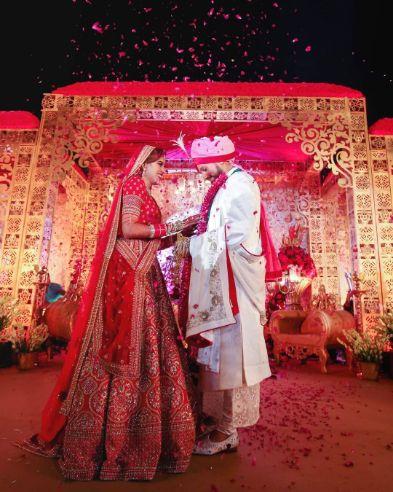 candid capture on an idan couple | Sabyasachi Bride