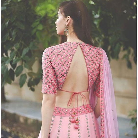 indian wedding bridal lehenga | back blouse designs for indian brides a | #wittyvows #weddings #pinklehenga
