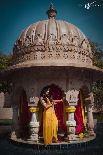 indian bridal haldi poses | hairstyle ideas | Destination Wedding in Jaipur