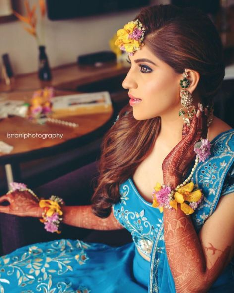 yellow floral jewellery to pair with blue lehenga