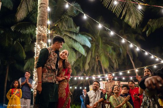 under the lights | couple photograpy