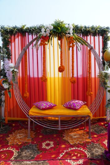 bridal seat for mehendi ceremony | indian wedding