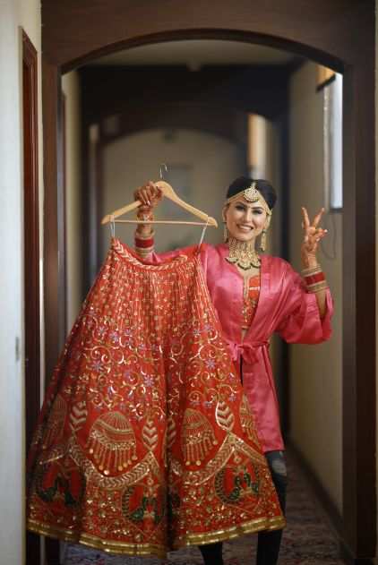 sikh bride with her wedding lehenga | wedidng with a Surprise Proposal