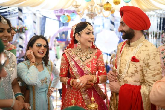 candid captures from an Indian wedding | Surprise Proposal