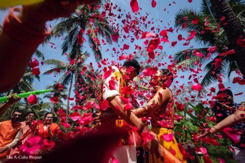 rose petal shoer | couple haldi photography