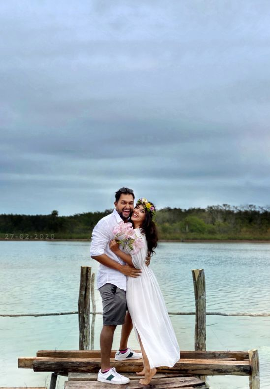 indian couple on their honeymoon in mexico | eco friendly wedding