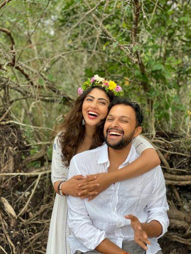 indian couple   eco friendly wedding