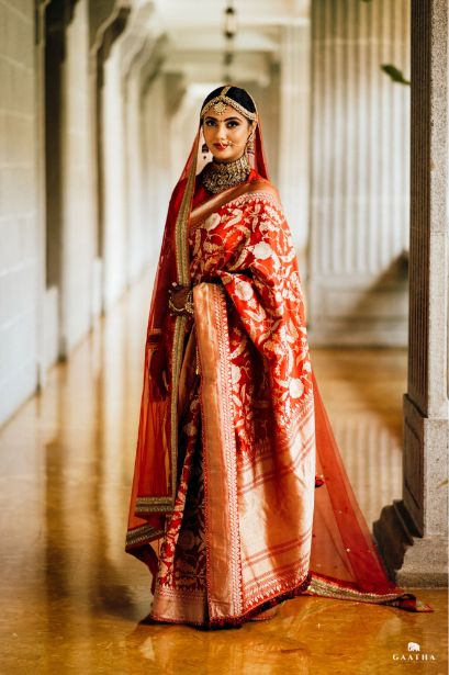 Indian bride posing for her picture | eco friendly wedding