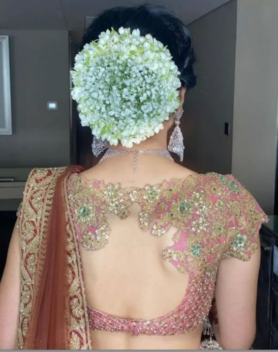 Indian back blouse design | indian bridal hairstyles | indian lehenga blouse designs | wittyvows | indian weddings | red lehenga | saree back blouse for indian brides #indianweddings #blousedesigns #lehengablouse #saree
