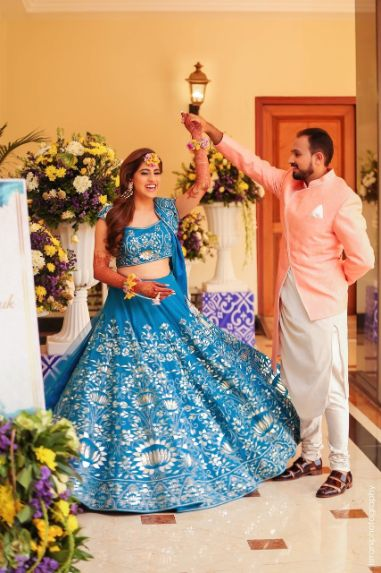 indian couple photography | sabyasachi bride