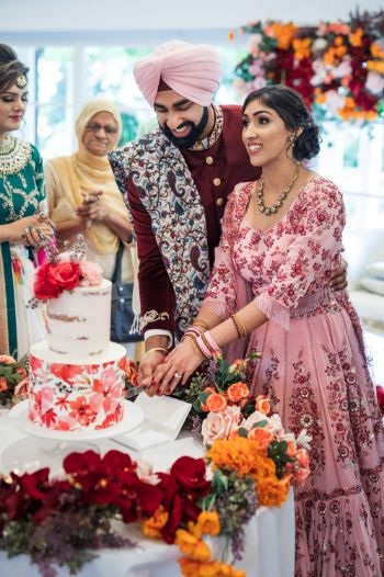 engagement day | cake cutting