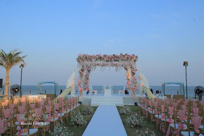 stunning indiang wedding mandap | Bride in Anita Dongre Lehenga