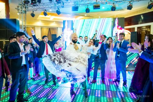 bride and grrom dance | Stunning Reception Look