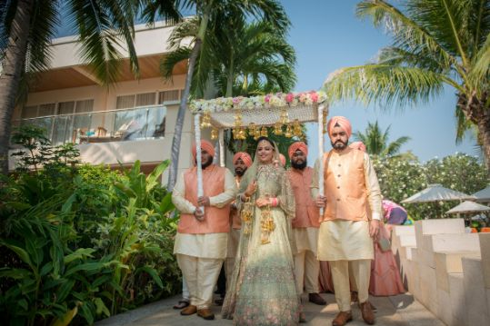 bridal entry ideas | phool ki chaddar | Beach Wedding in Hua Hin