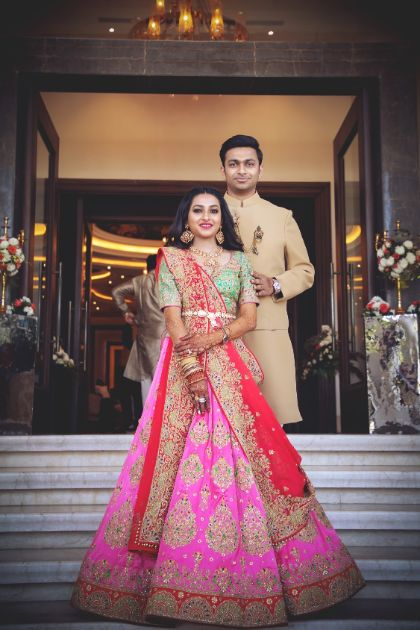 stunning mehedni day outfits for the bride and groom | Unique Dupatta Drape Idea