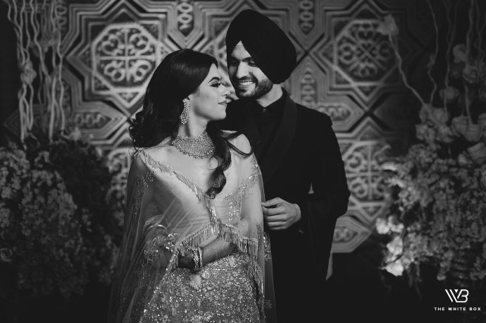black and whote couple photography