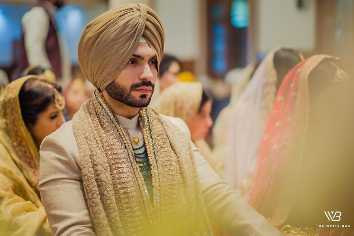 indian groom outfit details