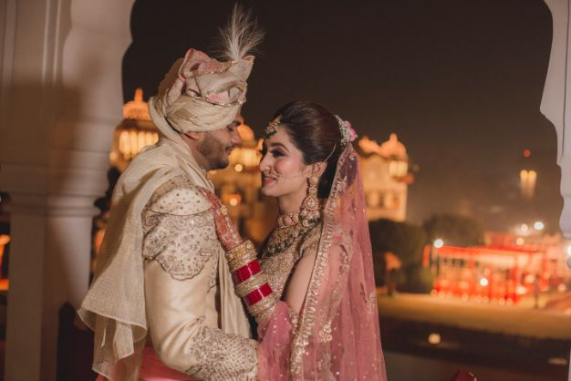 indian bride and groom candid capture