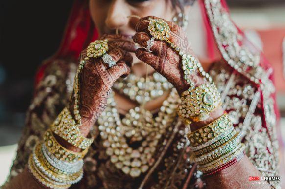indian bridal jewellery | bridal poses