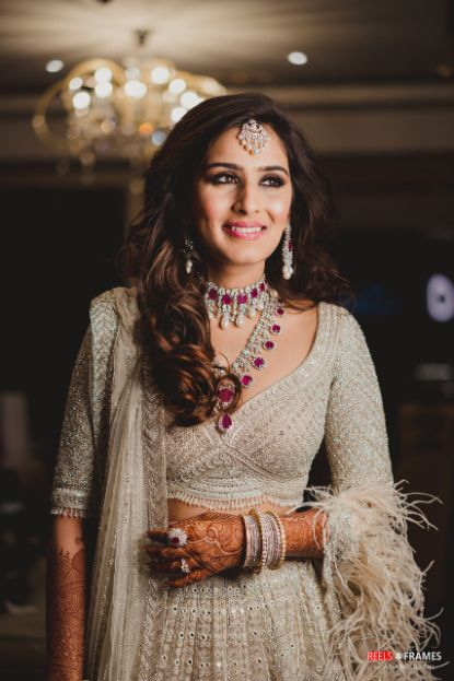 indian bridal post wedding hairstyle ideas | Major Mehendi Outfit Goals