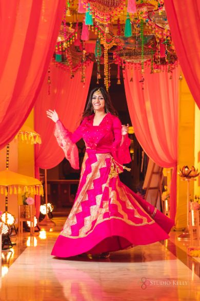 pink outfit for the bride | cocktail night