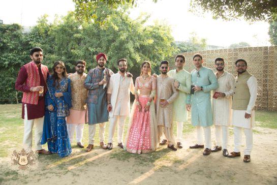 squad photo ideas from indian weddings | Mirror Work Lehenga for Mehendi