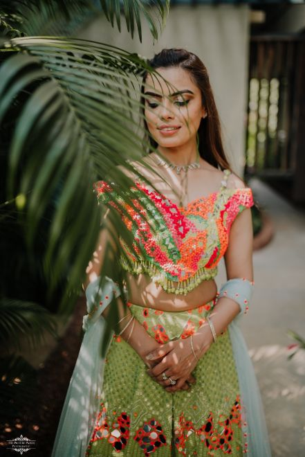 bridal portrait ideas | mehendi ceremony | blouse ideas