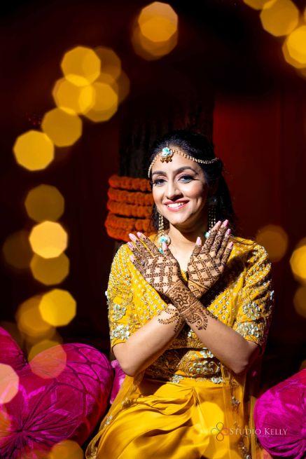mehendi day photoshoot for the bride
