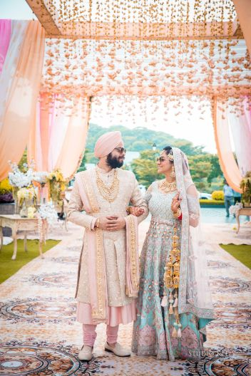 indian couple photography | Pastel Wedding with a Stunning Reception Look