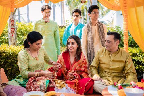 indian brides wedding rituals