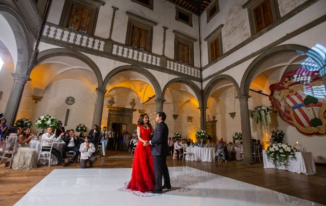 indian bride first dance | christain couple wedding portrait | inain couple photosoot | forma; bridal gown at nri indina wedding | white bridal gown | tuscany wedding indian couple dancing