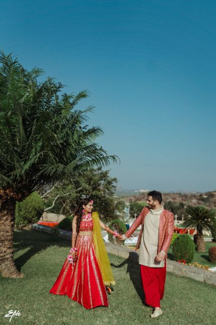 couple outfit ideas for a mehendi cremony