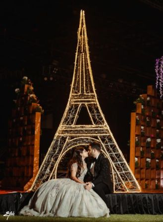 paris themed couple shoot on engagement day