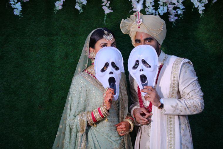 fuuny wedding moments | happy bride | indian weddings | palace wedding | sabyasachi green lehenga