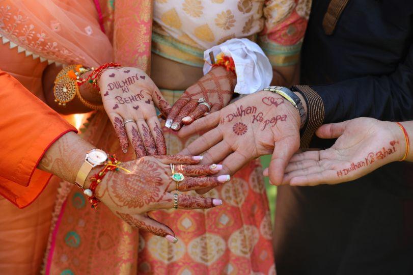 bridial mehndi | fun shots mehendi | haldi function | wedding in delhi | yellow outfit |