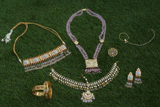bridal jewllerey | bridal diamonds | kalire | kaleera close up bridal kaleera | Bridal blouse | pastel lehenga | indian bride groom |