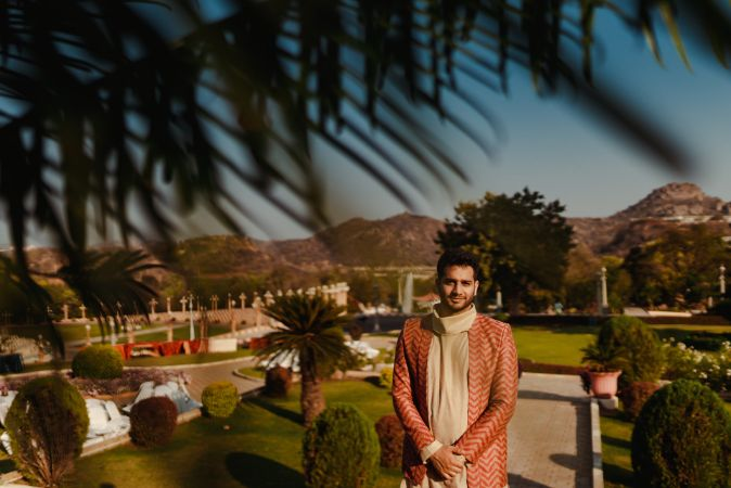 groom outfit ideas for a mehendi day
