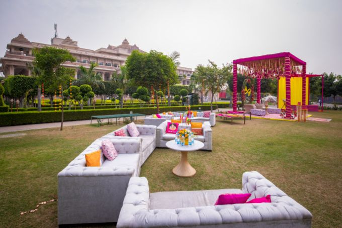 floral decor ideas for spaces  Kitsch mehendi decor | real weddings | #indianwedding #wittyvows | destination wedding Kitsch mehendi decor Decor ideas | colourful decor