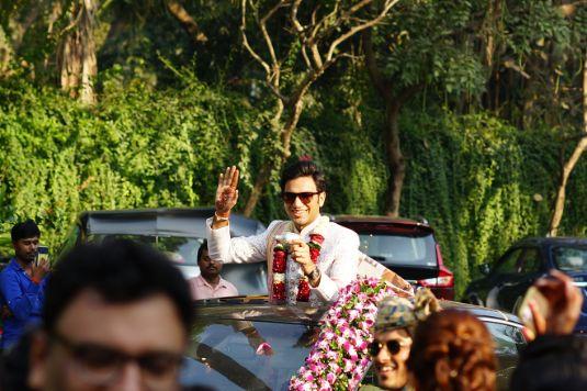 groom entry   indian wedding   indian wedding photos   Prettiest Mumbai Wedding