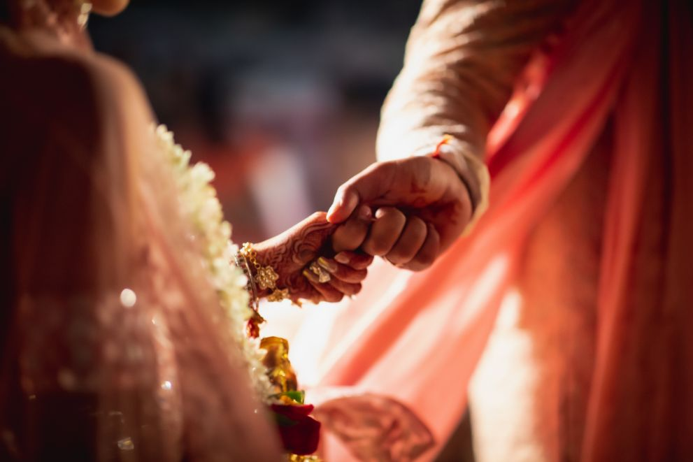 hand holding | wedding ceremony floral jewllerey |colourful lehnga | indian wedding | red gown | real indian wedding destination wedding | cocktail ceremony | big fat indian wedding 2020 | wittyvows | wedding blog #indianwedding #bridalgown #cocktail #realwedding #indiancouple Pink lehenga Mirror work